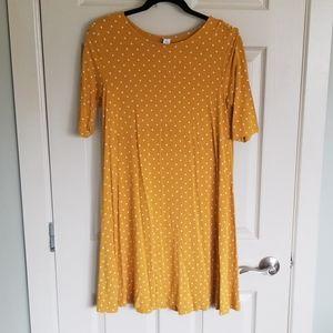 Loose fit golden polka dot dress